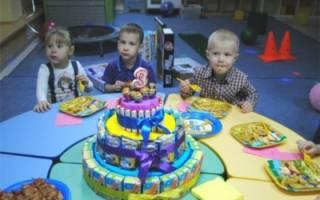 Торт в детский сад из сладостей