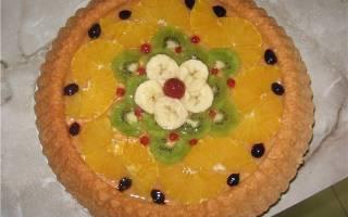 Пирог с желатином и ягодами