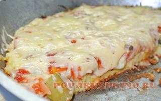 Пицца из майонеза и сметаны на сковороде