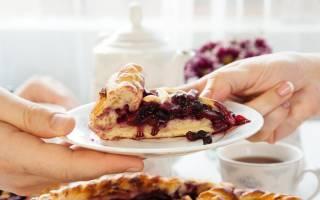 Пирог с замороженными фруктами