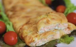 Пирожки с красной рыбой