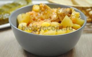 Тушеная картошка с куриной грудкой